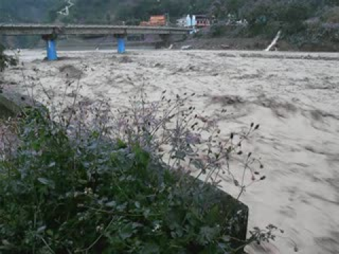 惡水上的大橋!2009.08.09莫拉克颱風!