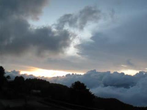 2009.09.14莫拉克遠颺後,被遺忘的塔塔加日落雲海!